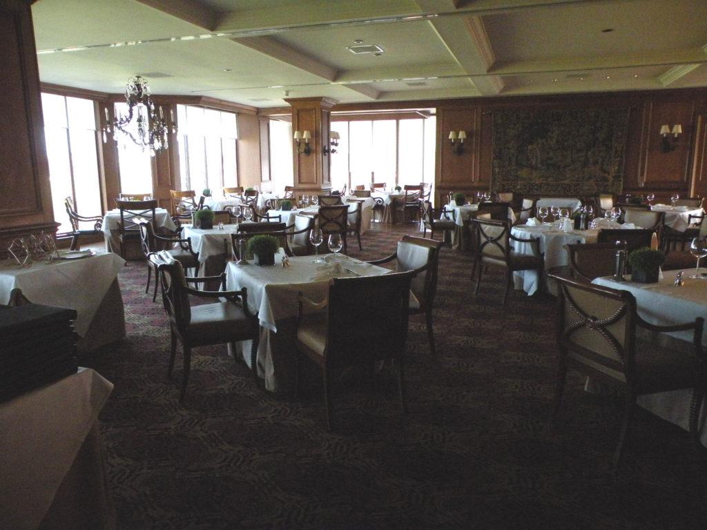 ロードホールレストラン2